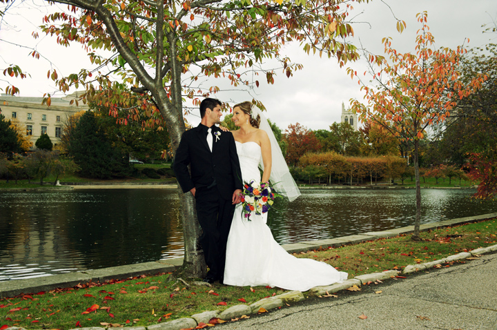 portraits of bride and groom at wade lagoon cleveland museum of art