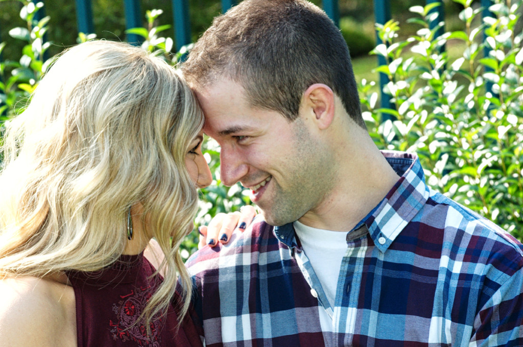 engagement photos at Mooreland Mansion on the campus of Lakeland College
